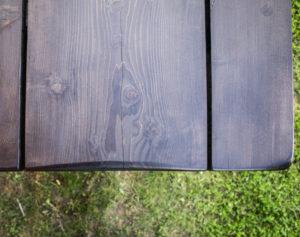 Luomus Woodworks inspiroidu kuninkaan pöytä