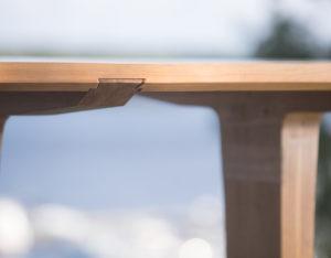 Luomus woodworks inspiroidu perhosia ruokapöydällä -2