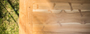 Luomus woodworks inspiroidu perhosia ruokapöydällä otsikkokuva-1